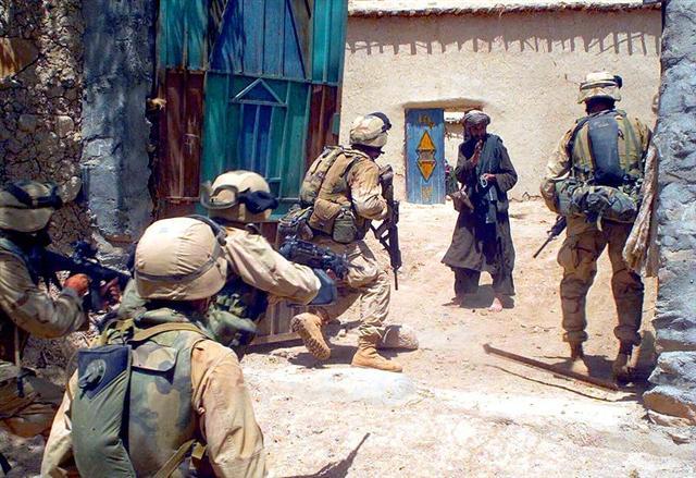 Marines Afghanistan 2004