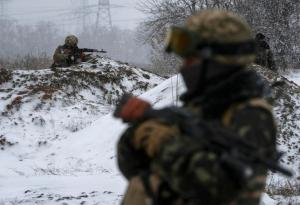 Ukrainian armed forces take their position near Debaltseve